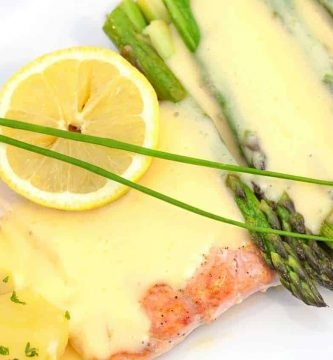 Salmon with Hollandaise sauce recipe